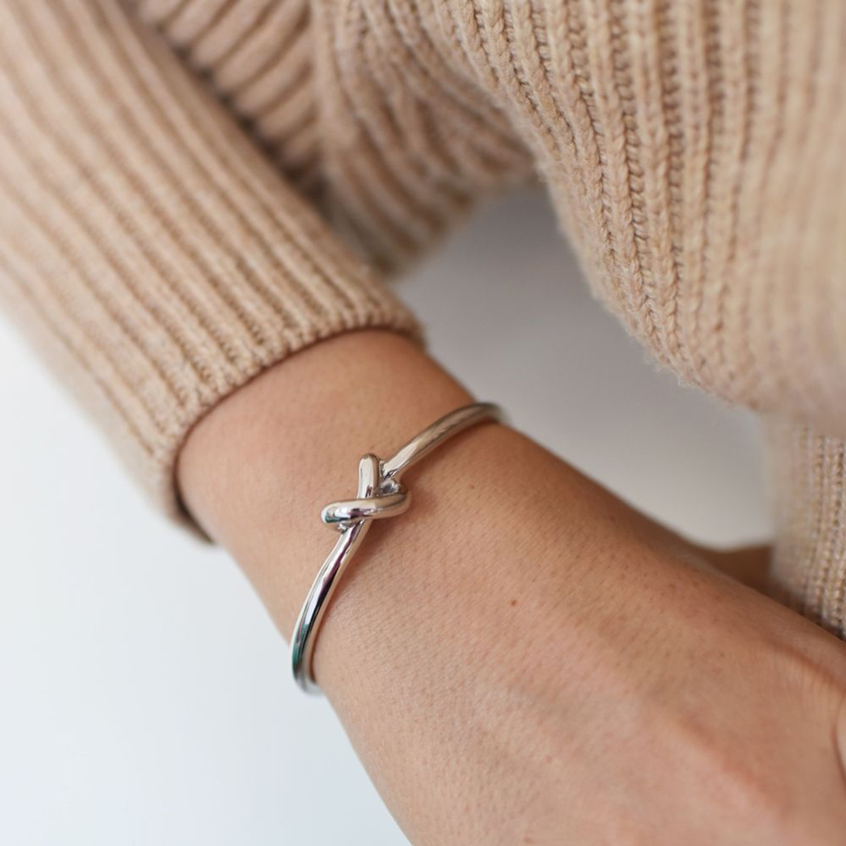 knot-cuff_silver_sophie–by-sophie