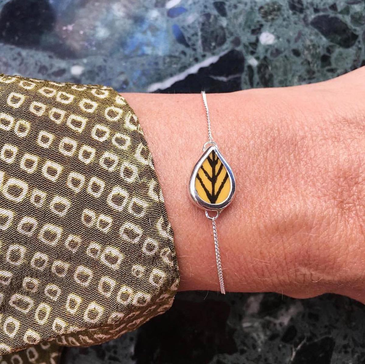 Sägen – ARBOUR HARBOUR armband, gul