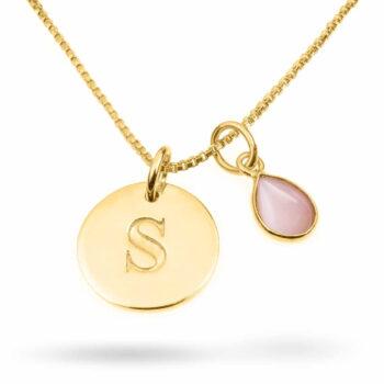 Syster P – Beloved Set, Bokstavsberlock & pink opal med halskedja