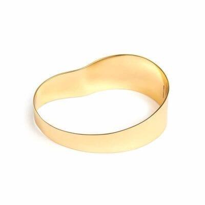 Cornelia Webb – Organic Bangle armband, guld