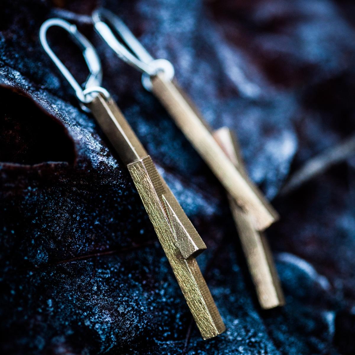 Stickii-earrings-raw-bronze-2
