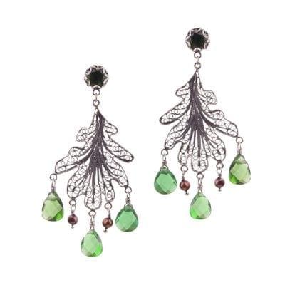 Yvone Christa – Oak Leaf Örhängen, briolette green