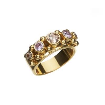 Kumkum – Five Pink Champagne Ring, guld