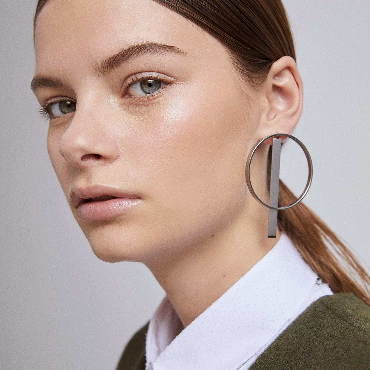Independant-earrings-(kopia)