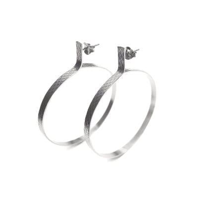 Ebon Li – Wire circle Örhängen, silver