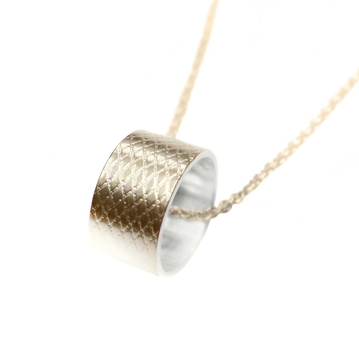 Wire-ring-necklace-GP
