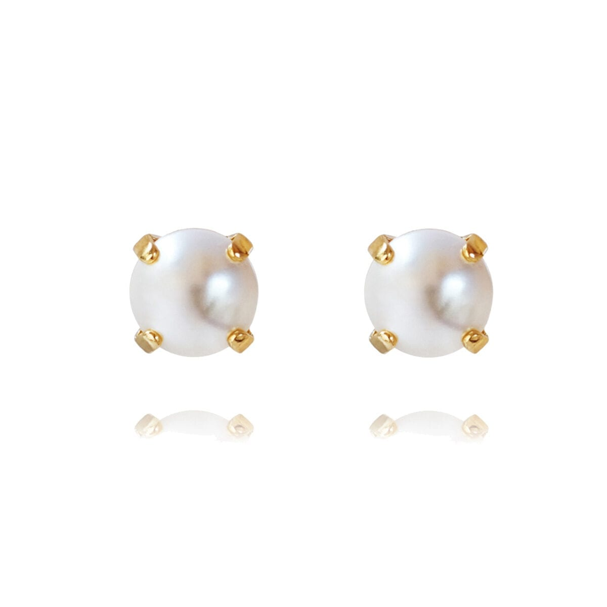 Classic_Stud_Earrings_pearl