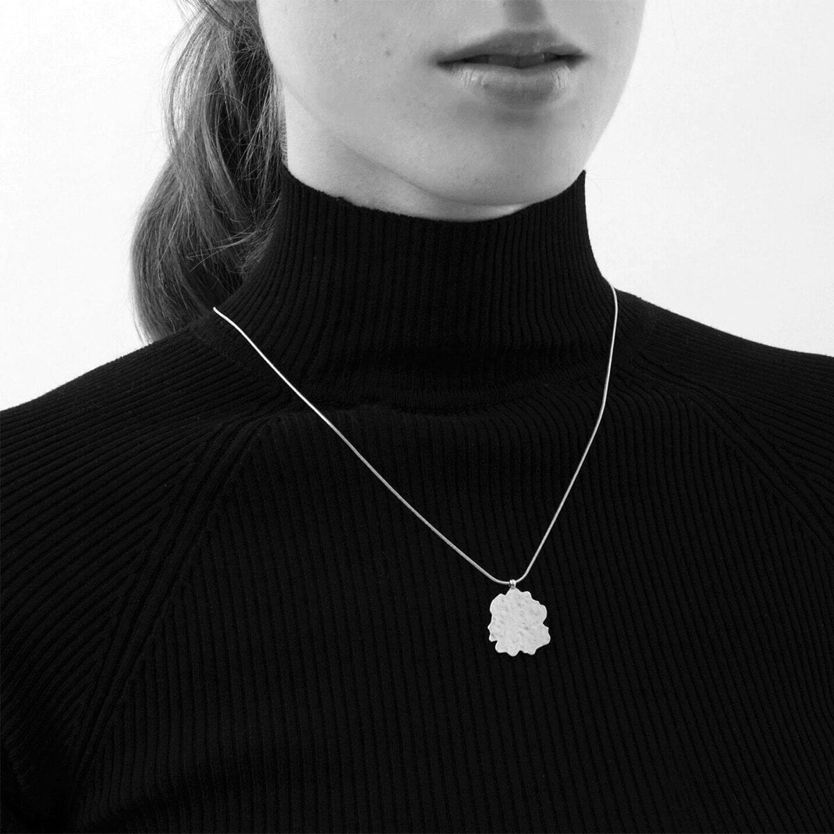 amelia-halsband-silver
