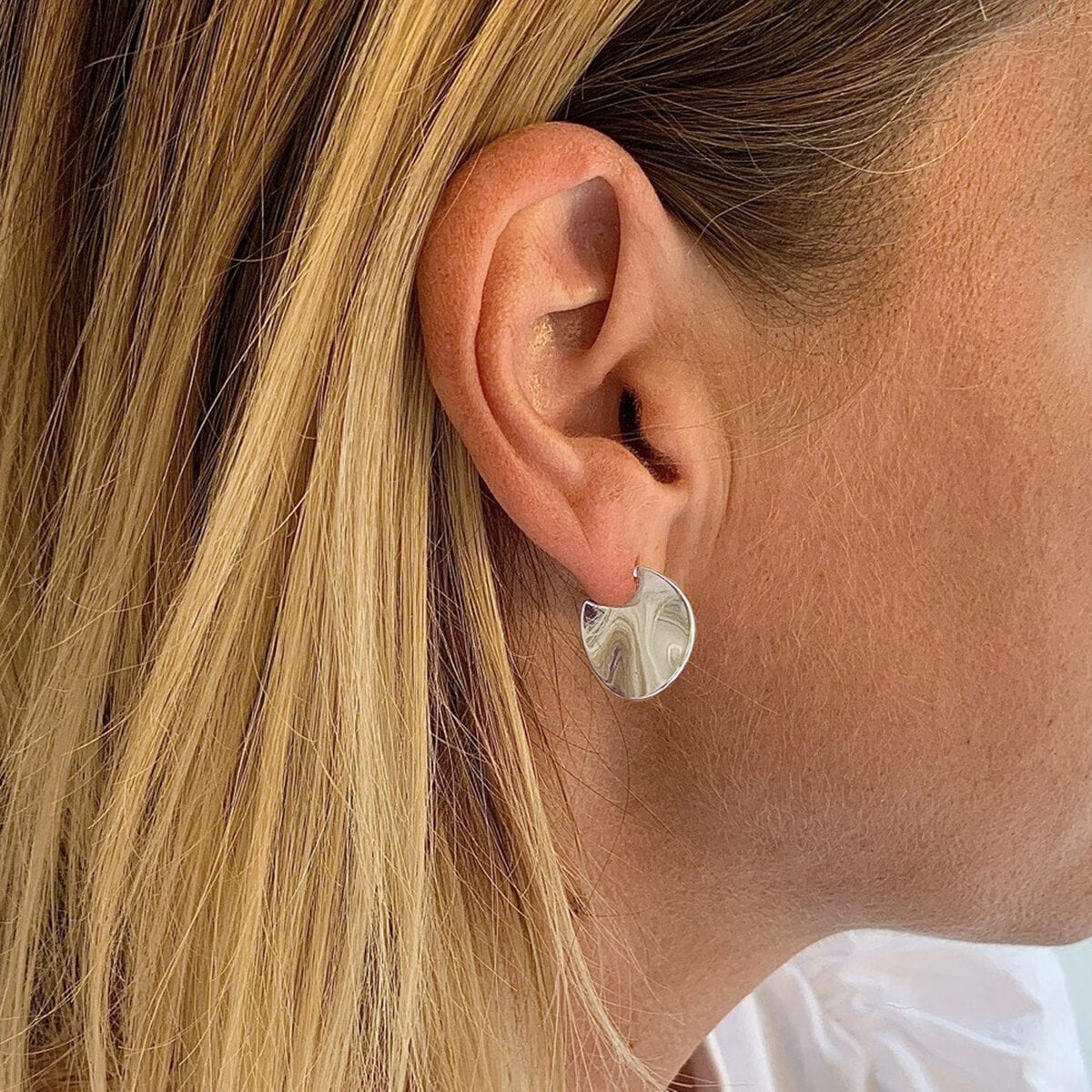 phoebe-round-earrings-silver